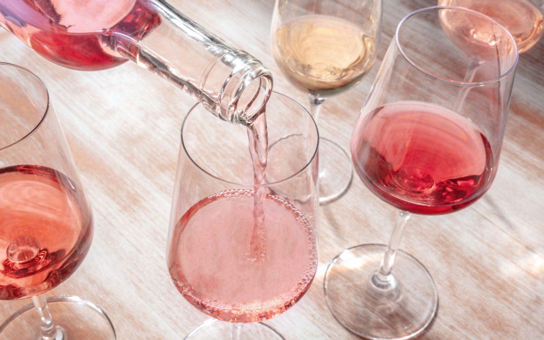 Vinul rose și nebănuitele aspecte care îi conturează parfumata existență
