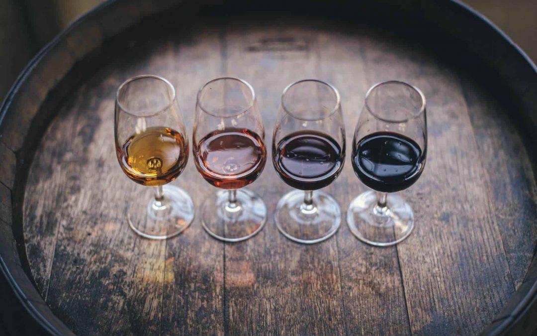 Tipuri de vin - clasificarea vinurilor în funcție de culoare, concentrație de zahăr și efervescență
